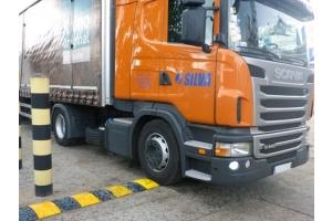 progi zwalniające dla samochodów ciężarowych