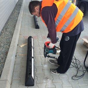 Montaż separatorów parkingowych i ruchu drogowego